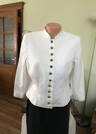 Элегантный льняной пиджак
