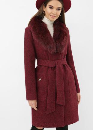 Бордовое зимнее пальто