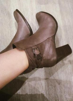 Ботинки натуральная кожа устойчивый каблук vera gomma