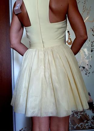 Новое лимонное платье с пышной юбкой