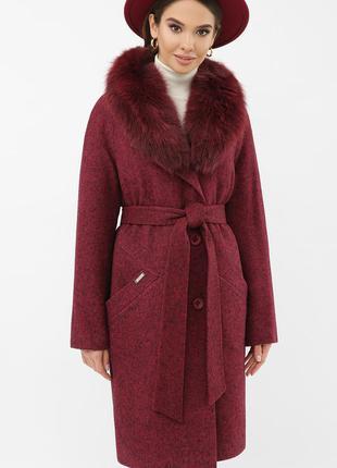 Зимнее бордовое пальто с мехом
