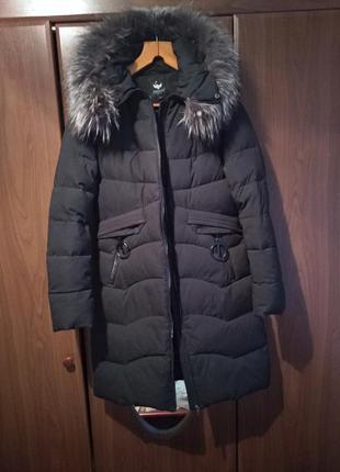 Крутая черная куртка пуховик
