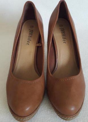 Оригинальные туфли фирмы jennifer&jennifer p. 38 стелька 24,5 см