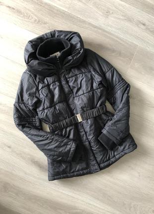 Демисезонная чёрная курточка only m