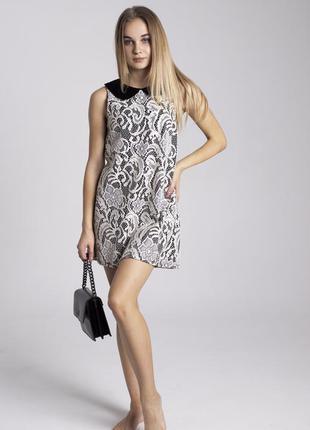 Платье под кружево с бархатным воротником topshop