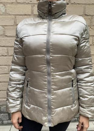 Красивая деми куртка