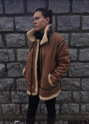 Модная куртка косуха оверсайз, натуральная овчина, с кожаными вставками.