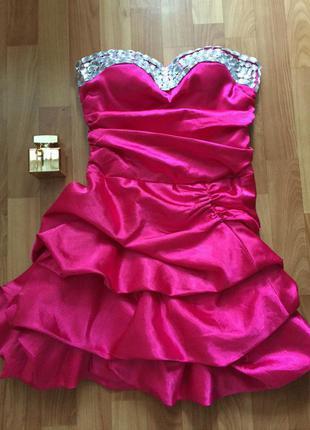 Шикарное платье на новый год  бюст в камнях