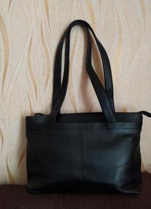 Черная кожаная сумка jobis