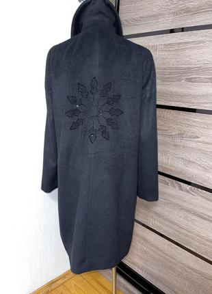 Красивое чёрное пальто бойфренд с декоративными камнями на спинке🛍🌺🎁