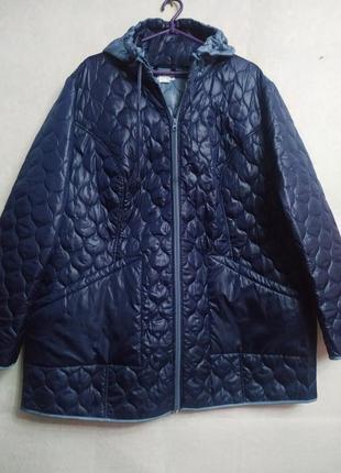 Очень классная демисезонная стеганая курточка большого размера