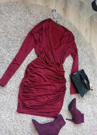 Шикарное платье boohoo женское платье мини, внчернее платье платье на запах