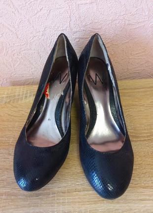 Красивые туфли w  на платформе cлазерным покрытием  акция 1+1=3