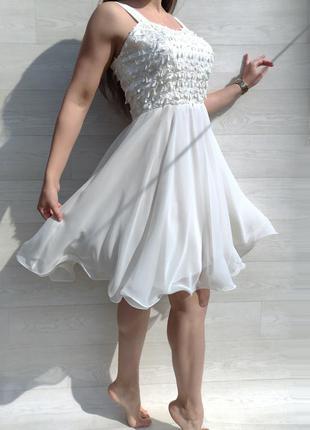 Потрясающее очень красивое нежное нарядное молочное платье выпускной