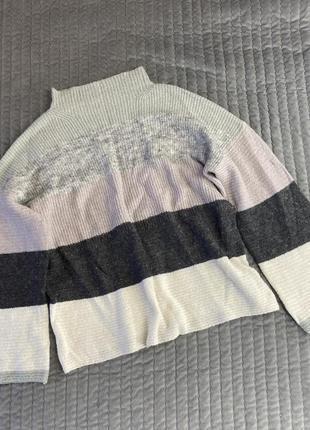 Свитер в полоску свободный крой, с горловиной и широкими рукавами шерсть