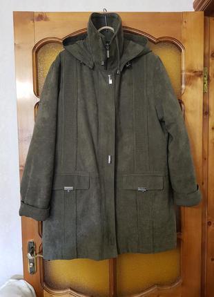Куртка  с капюшоном, на подстежке, см. замеры