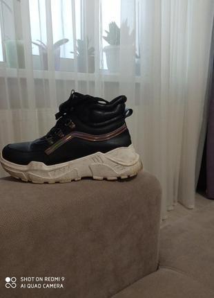 Ботинки 38 розмір кожзам