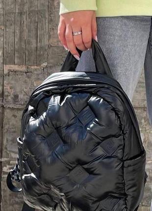 Жіночий стильний дутий рюкзак в кольорах чорний