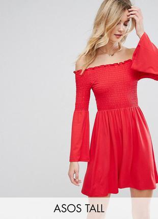 Asos красное платье резинка открытые плечи
