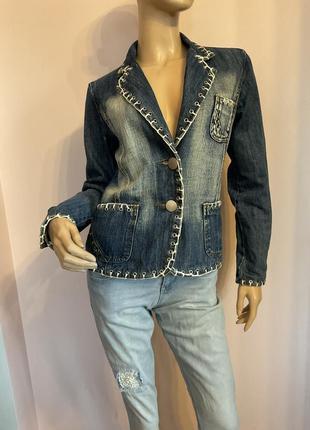Оригинальный джинсовый жакет с декором /s/brend jaune rouge paris