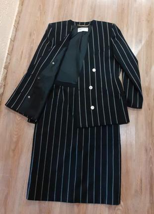 1+1=3  костюм в полоску, с юбкой карандаш, aнглия