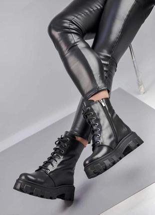 Мега круті шкіряні жіночі черевики на байці.