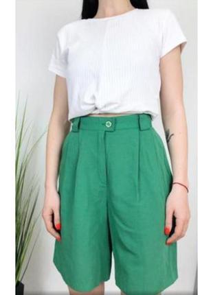 Актуальные шорты, бермуды, высокая посадка, трендовый цвет, стильные, модные, хит, зелёный