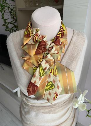 Жіноча прикраса з краваток 2