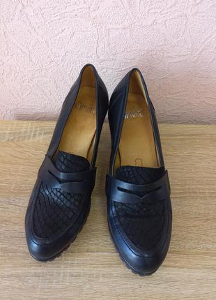 Красивые туфли caprice  натуральная кожа акция 1+1=3