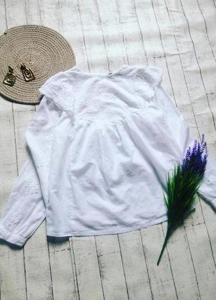 Очень красивая белоснежная блуза прошва