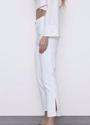 Белые джинсы zara джинси с разрезами
