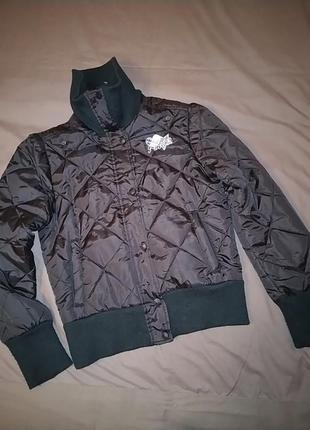 Куртка женская короткая.