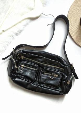 Новая черная сумка короткая ручка с замками сумка багет пирожок