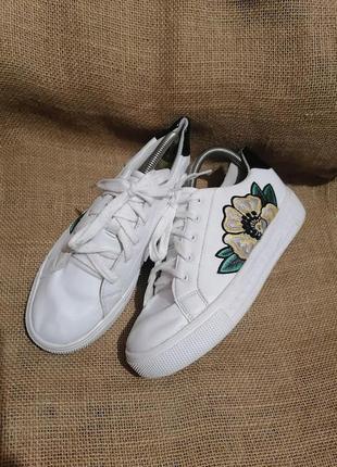 Кроссовки с вышивкой gracelend* 26 см
