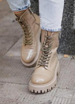 Стильні жіночі демисезонні черевики 🔥 шкіра-лак, підкладка байка. колір кавовий