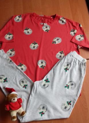 Хлопковая пижама с новогодним принтом, размера 8-10.