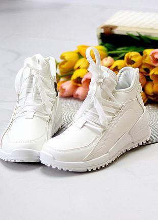 Модельные высокие белые женские кроссовки на флисе в ассортименте  размеры 36-41  к. 11688