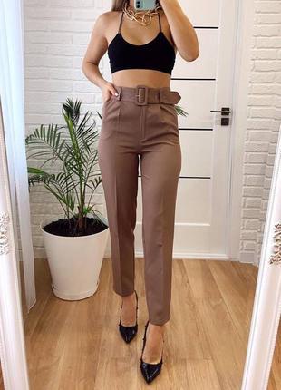 Кофейные брюки с поясом
