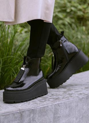 Кожаные лаковые ботинки на танкетке натуральная кожа