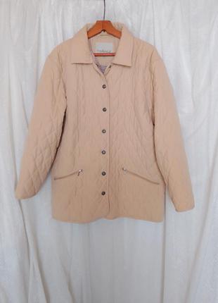 Стильная куртка стеганая стеганое пальто
