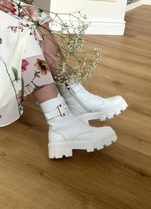 Кожаные ботинки с ремешками 2001