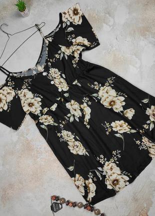 Платье мини красивое цветочное shein 3xl