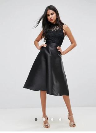 Шикарное черное платье с кружевом и атласной юбкой