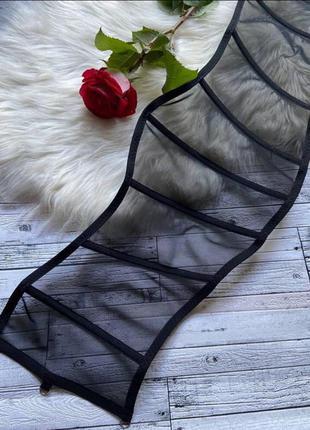 Корсет ручной работы. подгрудный корсет на одежду. корсетный пояс. тренд 2021