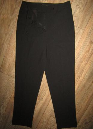 Черные базовые брюки р-р 8-36 бренд sisley