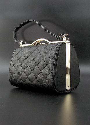 Черная вечерняя сумочка клатч бокс с ручкой через плечо выпускная мини сумка на длинном ремешке