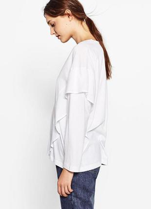 Блузка с воланом zara