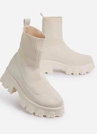 Стильные ботинки на низком ходу