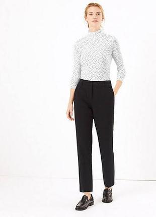 Укороченные прямые брюки стройность пышных дам