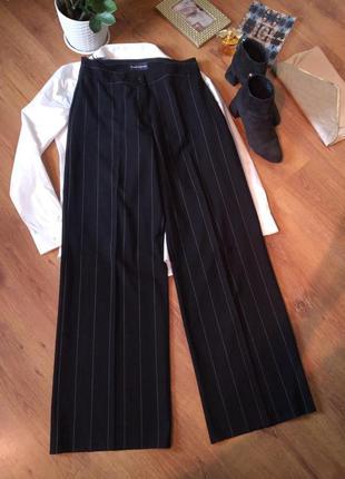 Чёрные брюки палаццо в полоску